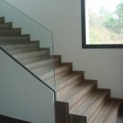 Escalera revestida en madera Ronda Molí
